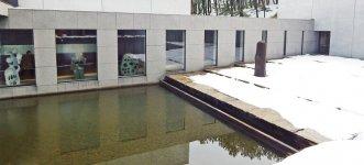 酒田市名誉市民第1号になった写真家・土門拳さんの作品を展示している「土門拳記念館」は、日本初の写真専門の美術館