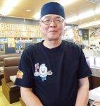 「大漁丸では毎朝ローテーションで、CDに合わせて6カ国語のあいさつを唱和しています」と喜満フーズの田淵英志さん