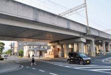 出雲市駅前は高架化されており、駅の南北の行き来もスムーズ