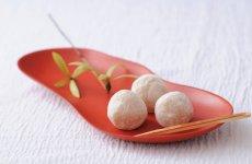 高岡を代表する銘菓「とこなつ」。3cmという小ぶりの大きさも人気の秘密。6個入り540円(税込)
