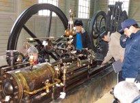 富岡製糸場開業当初の動力源であった蒸気機関ブリュナエンジン。復元に向けて愛知県犬山市の「明治村」まで調査に赴いた