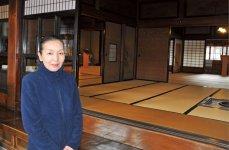 「記念館には全国から太宰ファンがいらっしゃいます」と語る桜庭湯香子さん