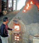 日本北限の「須恵器」の流れをくむ「津軽金山焼」。地元の粘土を使い、登り窯で焼き上げる。春秋の2回開催される「陶器祭り」は毎年たくさんの人でにぎわう