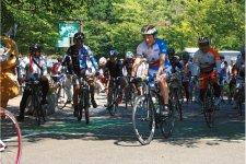 広島県尾道市と愛媛県今治市を結ぶ、「瀬戸内しまなみ海道」を活用した自転車ツーリズムの推進など官民連携により圏域を越えた観光振興の動きが広まっている