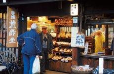 日本各地の伝統的なお店の魅力をいかに海外にも発信するかも今後の課題の一つ