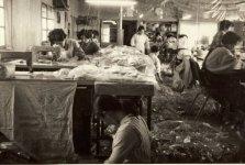 昭和40年代後半のビニール傘工場の様子