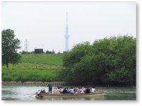 小説『野菊の墓』などで有名な唯一現存する江戸川の農民渡船「矢切の渡し」。矢切と葛飾区柴又を結んでいる
