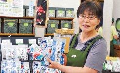 「展示会に出たことで東京が近くなった」と笑顔で話す山口製茶園の中島さん