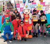 メンバーもさまざまなコスプレでパレードに参加した
