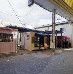 6つのコンテナが並ぶ「ABURATSU GARDEN」。ここも商店街の空き地だったところを利用している