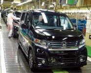 本田技研工業株式会社鈴鹿製作所。鈴鹿市には自動車、食品、医薬品、電機化学に関する製造業など、幅広い業種が立地している