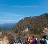 )鈴鹿山系の山々。鈴鹿国定公園にある野登山、仙ケ岳、宮指路岳、入道ケ岳は四季折々の景色が楽しめる