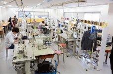 簡単な補修は各店舗で行うが、難しい補修や大幅なものは仙台の工場に集めて行っている