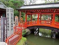 生島足島神社。「生島大神」と「足島大神」の二神が祀られている信濃屈指の古社