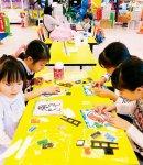 最近子どもたちに人気のビーズ塗り絵。教室も開催している