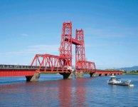 筑後川昇開橋:昭和10年、国鉄佐賀線の敷設とともに筑後川河口に架設された全長507mにもおよぶ東洋一の可動式鉄橋。平成19年10月には「機械遺産」にも認定