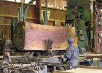 ゼブラ材:大川には国内外から木材が集まる。ゼブラ材はアフリカ産
