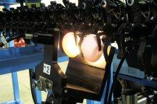 異常卵検査装置「ABD」シリーズは、卵を割ることなく分光分析技術で、血卵や無黄卵などの異常卵を検出。処理能力は最大24万卵で、卵の品質管理に貢献している