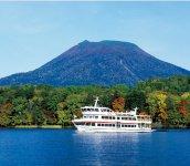 全域が阿寒国立公園に含まれた、北海道で5番目に大きい淡水湖「阿寒湖」