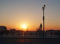 世界三大夕日の一つに数えられる釧路市。釧路川河口にかかる幣舞橋付近の夕日は格別だ