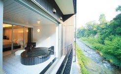平成27年にオープンしたモダンな別邸「心の刻 十三月」は、新たな顧客を獲得している