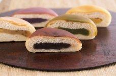羊羹パンのシリーズ品には、抹茶、栗、柚子、紫芋味がある
