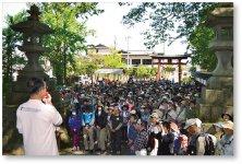 加茂山古道ハイキング:交流人口の増加を目的に5月に開催され、今年で4回目。年々参加者が増えており、当所女性会や青年部、新潟経営大学の学生など、多くのボランティアに支えられている