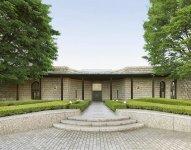絵画・彫刻・工芸・古美術など1400点が所蔵されている「メナード美術館」