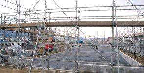 同社が担当する商業街区は、GWのグランドオープンを目指して建設が進んでいる