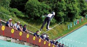 全日本サマージャンプの大会を開催