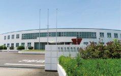 本社工場。自動車用のギアケースやパワースライドドアのギアなどの細かな製品を製造している