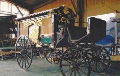 大正時代に使われていた、お棺を運ぶ棺車を修繕したもの