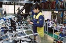 国内の自社工場で、受注から生産、出荷までを一貫体制で行い、フレキシブルかつ迅速な開発・製造を可能にしている