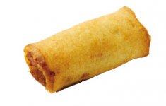 かまぼこを薄い食パンで巻いてカリッと揚げた「パンロール」は昭和37年発売以来のロングセラー