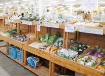 年間約141万人が訪れる伊達市観光物産館。売り場の半分以上を野菜が占める