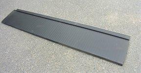 日本瓦がもつ重厚感と、ガルバリウム鋼板の軽さと高施工性を併せ持つ「シーファーS6」は、29年経済産業大臣賞を受賞。石巻の復興住宅9棟に採用され、28都道府県で販売中
