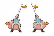 背中でクラブを動かしていれば、クラブを右に動かせばバランスボールは左に、クラブを左に動かせばバランスボールは右に動くはず