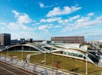 小松駅東口に立地する「科学館サイエンスヒルズこまつ」