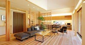 地元の大工や職人の匠の技が随所に生きるイムラの家づくり。建具も全て吉野杉、吉野檜で、デザイン性も機能性も大手ハウスメーカーと同等以上のクオリティーを誇る
