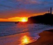 日の出と犬吠埼灯台