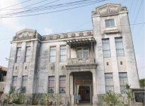 1922年に建設された建物を使用する「向野堅一記念館」