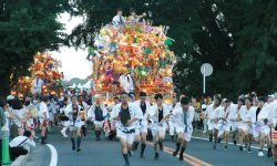 「のおがた夏まつり」では山笠(山車)が市内を練り歩く