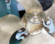 船舶推進機器の設計から製造まで手掛け、修理やメンテナンスにも専門の技術者を派遣。世界各国に広がる顧客に対しても迅速なサポート体制を整えている