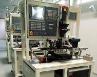 自作のミニレーザー加工機はスペースをとらず費用も1200万円に抑えられた