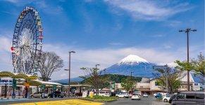 道の駅「富士川楽座」も人気の富士山撮影スポット
