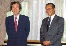 小泉純一郎首相と首脳会談に臨む(2001年6月)