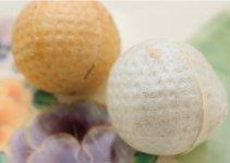 市原ゴルフボール最中は、茶と白の2色。 2個入り432円、3箱(6個)セット 1944円、4箱(8個)セット 2376円(外箱付き、すべて税込)