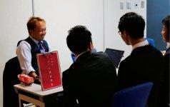 若手経営者と学生たちは、質疑応答して互いに交流を深めていく
