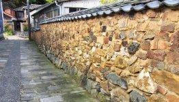 登り窯を築くために用いた耐火レンガなどで塗り固めつくったトンバイ塀