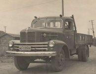 昭和20年代から30年代にかけて、本格的に物流を始めたころのトラック